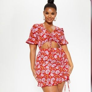 Plus Red Floral Ruched Detail Cut Out Bodycon
